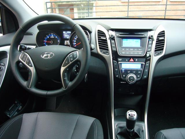 Hyundai i30 CRDi 128 ch P1030954-353502e